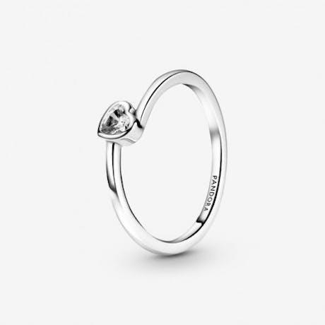 Anello con solitario a cuore obliquo (clicca l'immagine per visualizzare varianti)