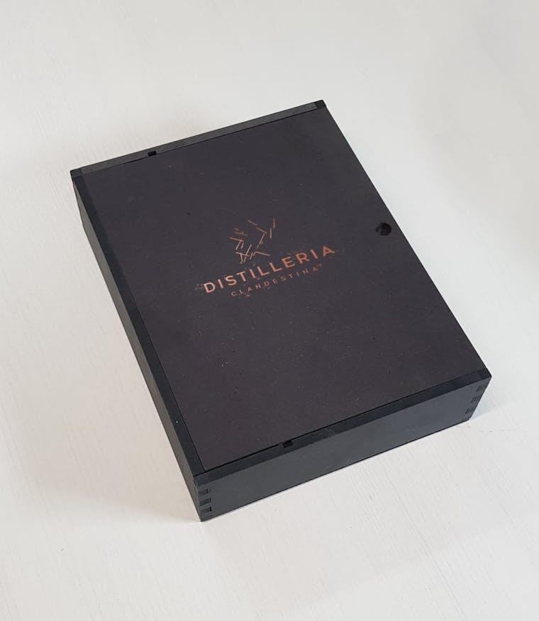 DISTILLERIA CLANDESTINA Cofanetto contenente kit completo